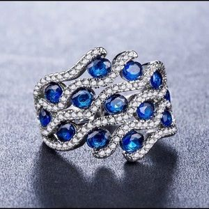 Gorgeous 925 Silver Oval Cut Blue Sapphire Ring